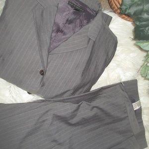 2 pc Zara women's Fall/Winter Pant Suit size 10